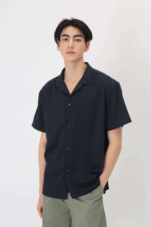 AIDEN CAMP COLLAR SHIRT IN NAVY