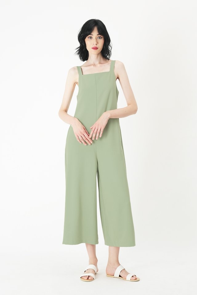 SYLVIE STRAIGHT CUT JUMPSUIT IN MELON