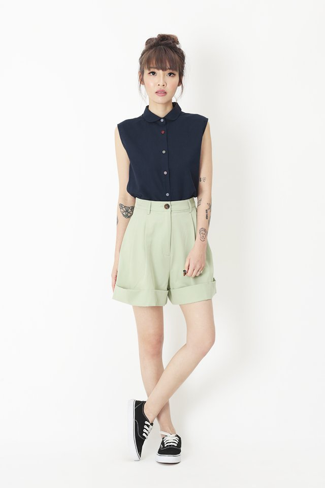 CUTE AS A BUTTON BLOUSE IN NAVY
