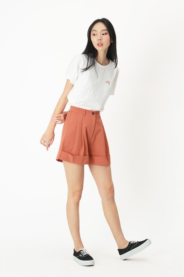 FRANKIE PLEATED SHORTS IN GRAPEFRUIT