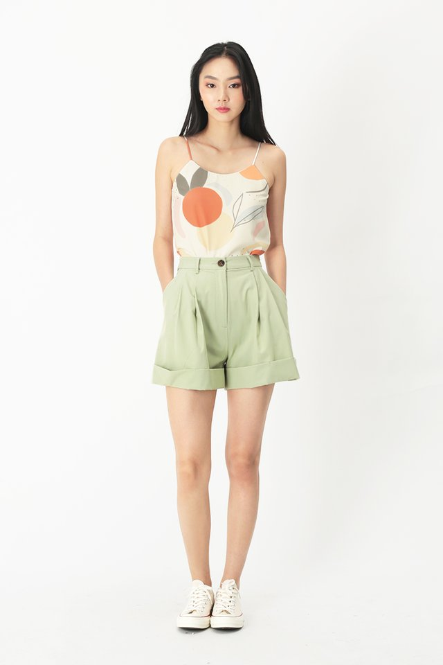 FRANKIE PLEATED SHORTS IN MELON