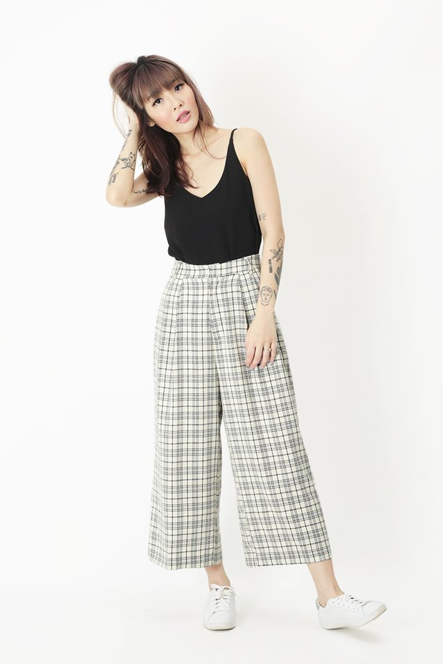 KEEP WALKING CHECKERED CULOTTES IN OFF WHITE