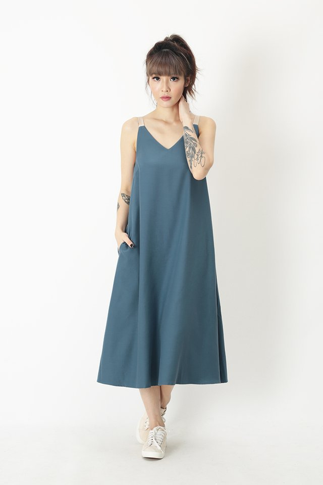 ANJA CONTRAST MIDI DRESS IN PACIFIC BLUE