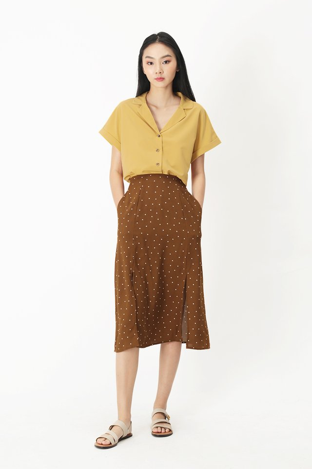 ELYSSA CAMP COLLAR BLOUSE IN HONEY