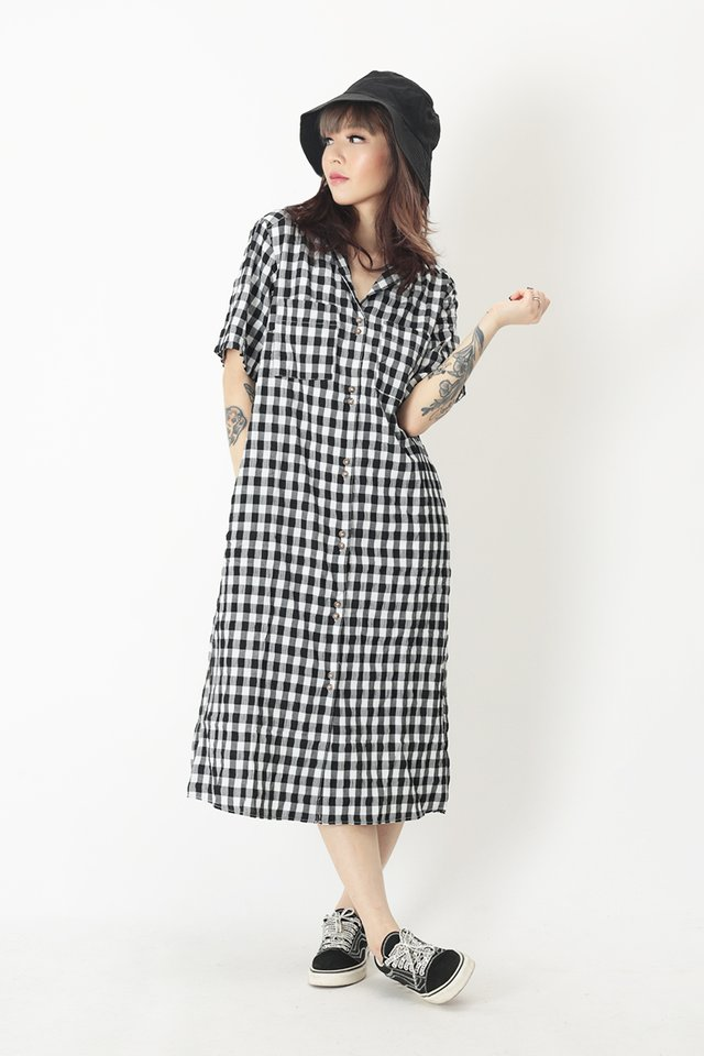 SHAYA GINGHAM CAMP COLLAR SHIRT DRESS IN WHITE