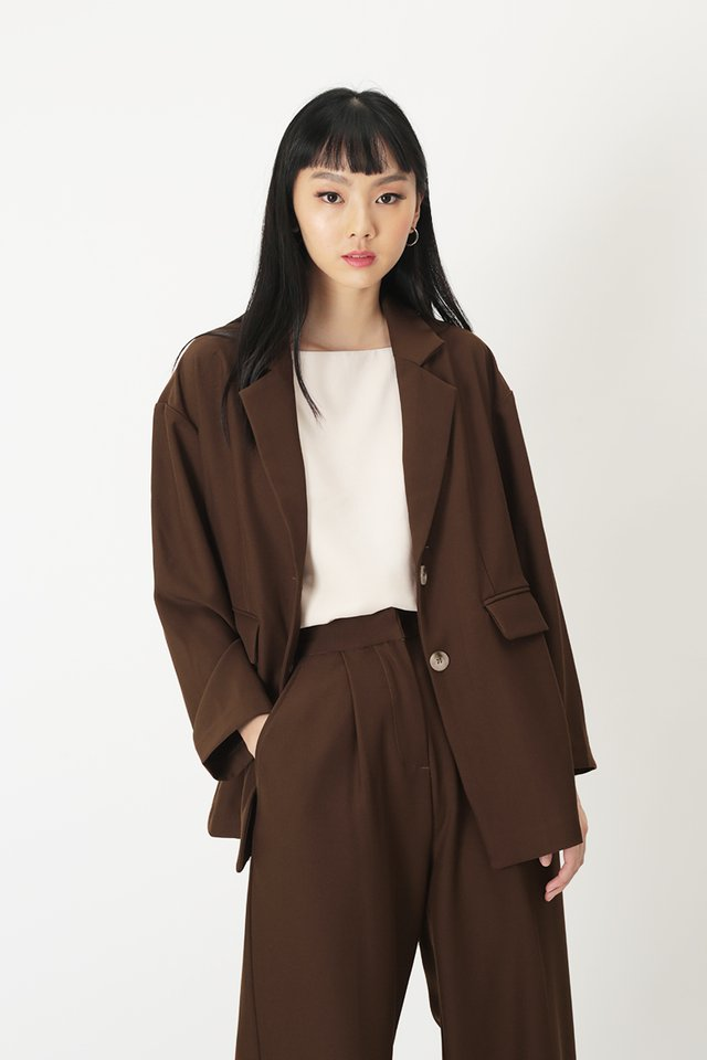 TILDA OVERSIZED BLAZER IN CHOCOLATE