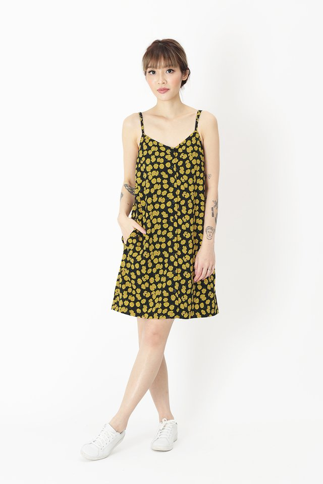 EMMA FLORAL BUTTON DRESS IN BLACK