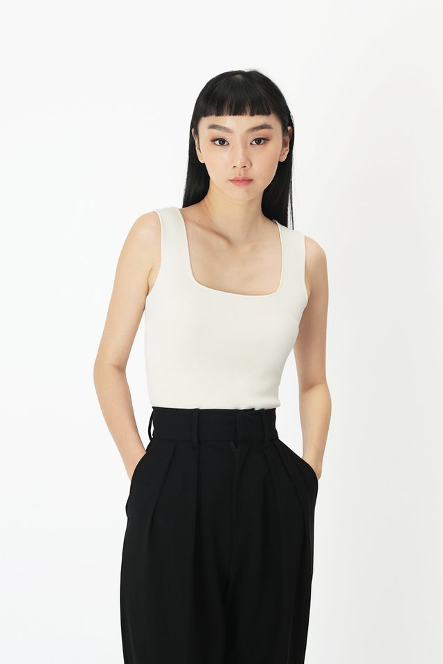 STEVI SQUARE NECK TOP IN WHITE