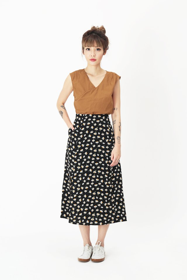 AMY FLORAL MIDI SKIRT IN BLACK