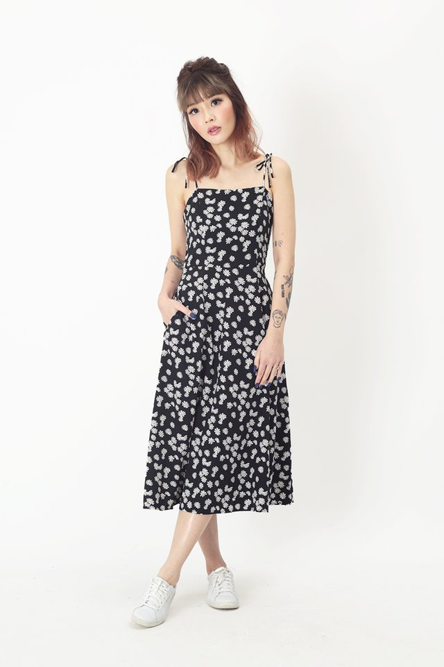 BRANDI DAISY SPAG DRESS IN BLACK