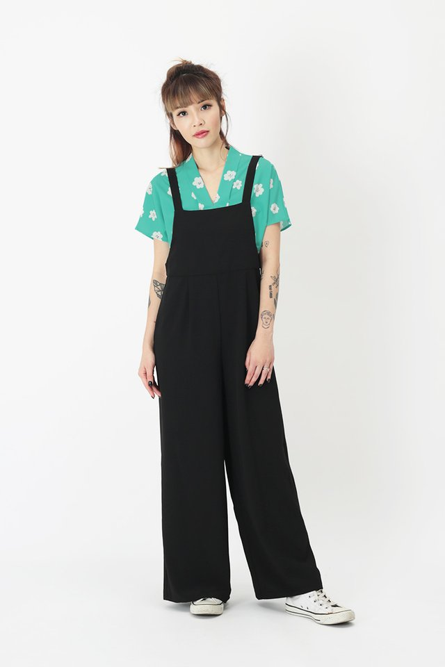 COURTNEY PINAFORE JUMPSUIT IN BLACK