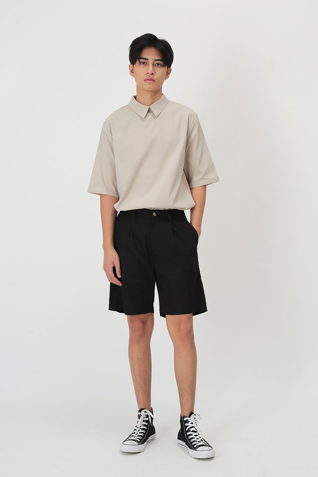 EDISON PLEATED SHORTS IN BLACK