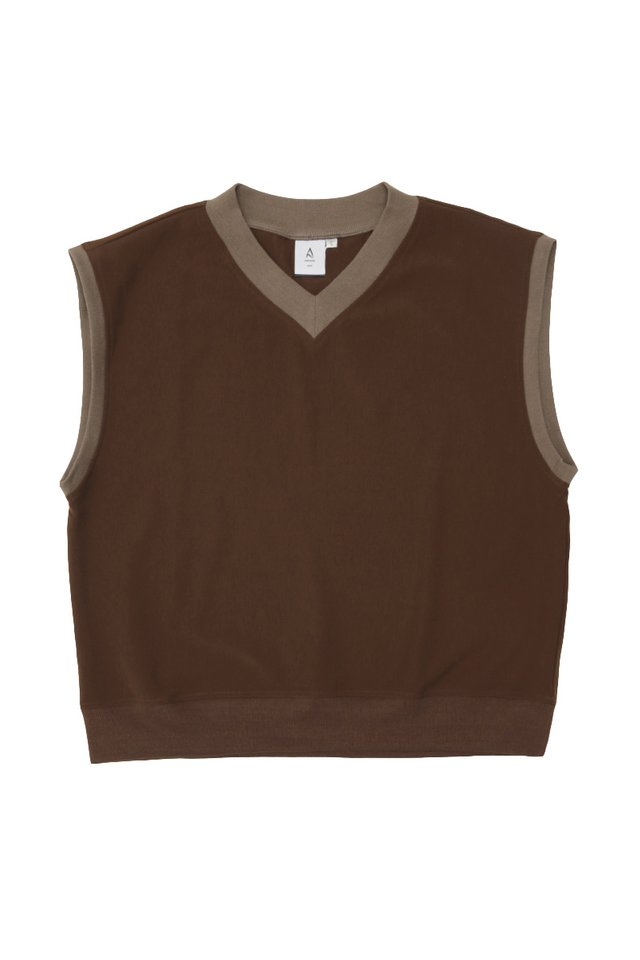 ERNEST V-NECK VEST IN CHOCOLATE