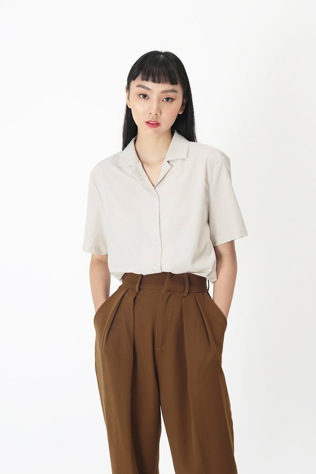 TONI CAMP COLLAR SHIRT IN TAUPE