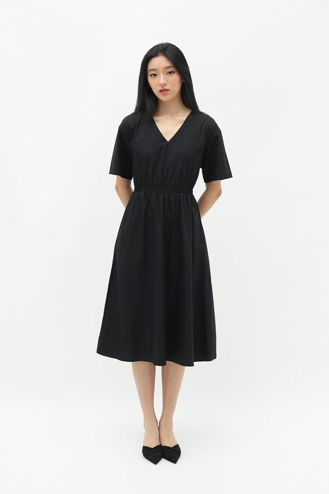 LEANDRA MIDI DRESS IN BLACK