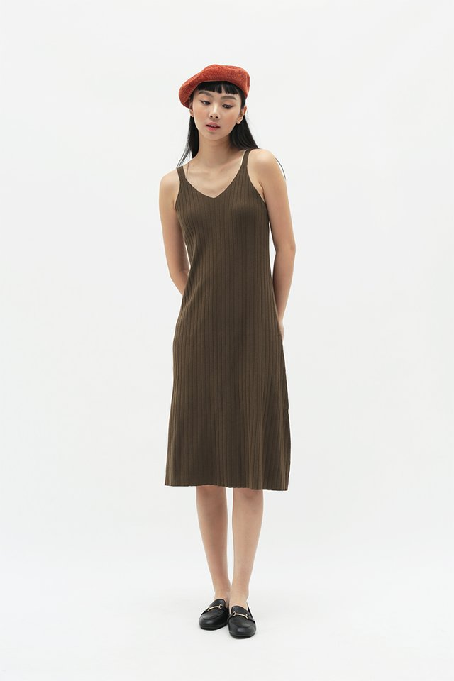 BLAIR KNIT DRESS IN CHOCOLATE