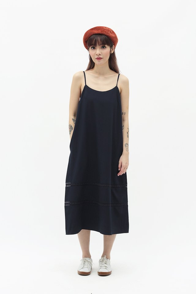 JUNIE LACE TRIM DRESS IN NAVY