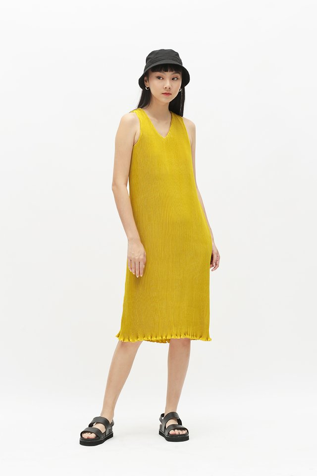 CHARLIZE PLEATED MIDI DRESS IN MARIGOLD