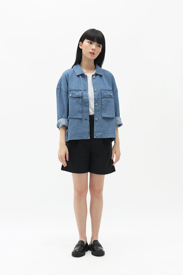 EDNA OVERSIZED JACKET IN MID WASH