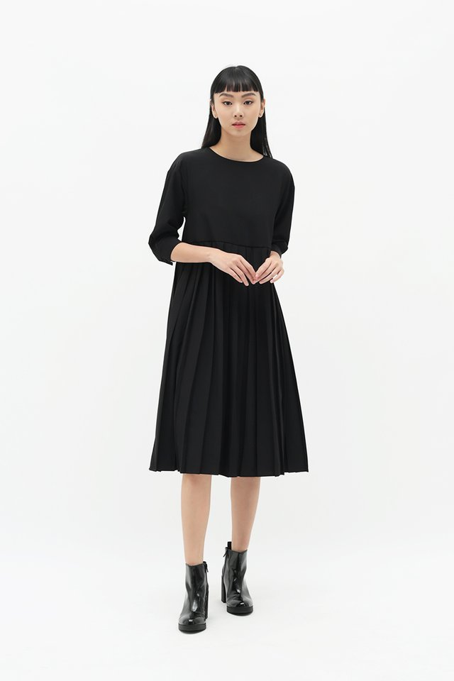 MARIANNE PLEATED MIDI DRESS IN BLACK